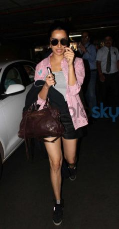 Shraddha Kapoor Nails The Chic Look At The Airport