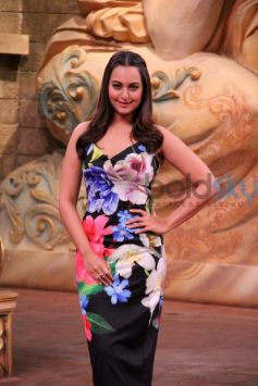 Sonakshi In Body-fitting Dress For Force 2 Promotions
