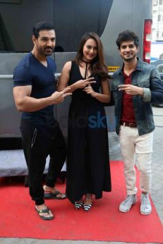 Sonakshi Sinha Nails The Sexy Black Look During Force 2 Promotions