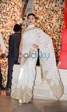 The Gorgeous Deepika Padukone Looking Stunning For A Wedding