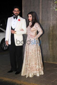 Aishwarya And Abhishek Make A Royal Couple Entry At Manish Malhotra Birthday Bash