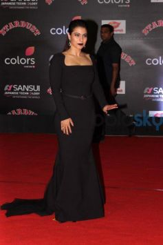 Kajol Rocking In Black Dress For Stardust Awards