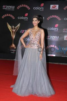 Sonam Kapoor Looking Gorgeous At Stardust Awards