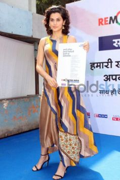 Tapsee Panu Promotes Remonetise India Campaign
