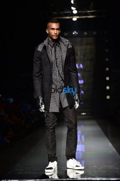 Designer Dhruv Vaish Showstopper Sangram Singh at AIFW 2017