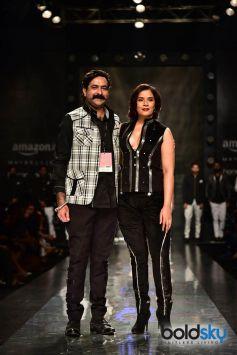 Rohit Kamra Show , Riccha Chadda Showstopper at AIFW 2017