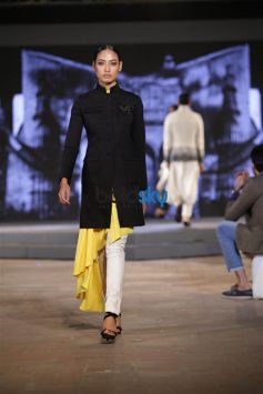 Shantanu and Nikhil Show in New Delhi