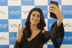 Nimrat Kaur Launch Vivo V5s Mobile Phone In Gurugram