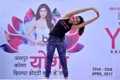 Shilpa Shetty Performs Yoga In Jaipur