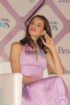 Kalki Koechlin At Launch Of Gillette Venus Breeze