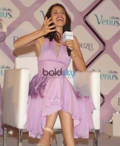Kalki Koechlin At Launch Of Gillette Venus Breeze