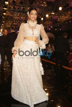 Celebs attend Abu Jani Sandeep Khosla Show in New Delhi