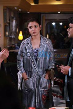 Anushka Sharma and Shah Rukh Khan promotes Harry Met Sejal , in New Delhi