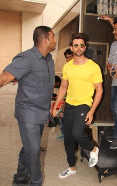 Ayushman Khurana,Hrithik Roshan And Kriti Sanon Spotted At Mehboob Studio
