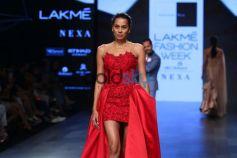 Diana Penty,Pooja Hegde,Sonal Chauhan,Nidhi Agarwal & Others Celebs At Lakme Fashion Week