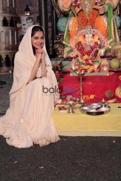 Divya Khosla Kumar Rings In The Ganpati Festival And Says Ganpati Bappa Morya!