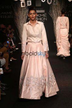 Ileana D Cruz,Dia Mirza,Bhumi And Others Celebs At Lakme Fashion Week
