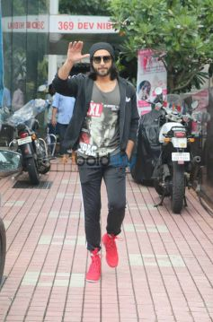 Ranveer Singh Spotted Out Side Of His GYM