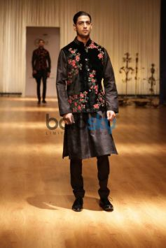 Rohit Bal Launches BALANCE, Festive Winter Collection 2017 At Indian Wedding Show Season 2 2017.