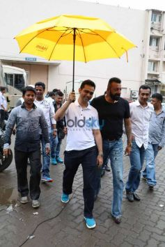 Sanjay Dutt Records Songs For Bhoomi At Mehboob Studio