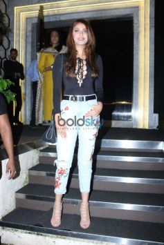 Shahrukh Khan And Other Celebs At Rohini Iyer Birthday Bash.