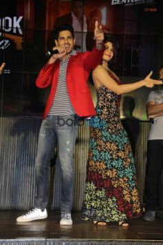 Sidharth Malhotra raps as Jacqueline Fernandez 'Bandook Meri Laila' At The Song Launch