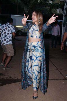Sonakshi Sinha Spotted At Mehboob Studio