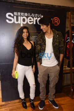 Suhana Khan Strikes A Stylish Pose With  Ananya & Ahaan Pandey At Lakme Fashion Week