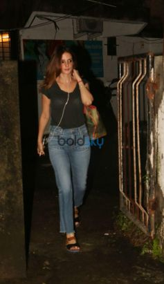 Sussanne Khan And Ramesh Taurani Spotted At Bandra