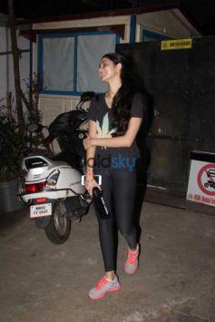 Aditya Roy Kapoor And Chunky Pandey Daughter Ananya Pandey Spotted At Bandra