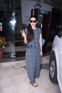 Diana Penty Farhan Akhtar And Karisma Snapped In Mumbai