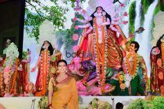Kajol at Mumbai North Bombay Sarbojanin Durga Puja 2017