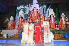 Rani Mukerji, Imtiaz Ali, Ranbir Kapoor, Alia Bhatt And Others At North Bombay Sarbojanin Durga Puja