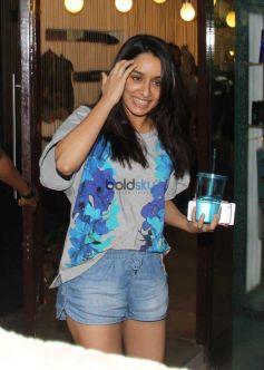 Shraddha Kapoor Spotted At B Blunt Khar