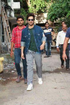 Varun Dhawan Spotted At Shoojit Sarkar's Office In Mumbai