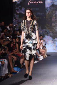 Esha Gupta Walks For Rocky S At India Beach Fashion Week On Day 2 In Goa