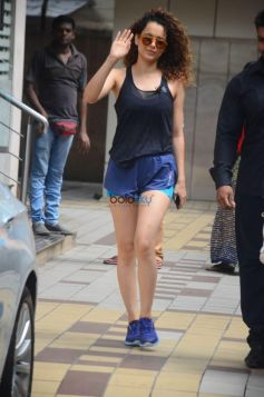 Kangana Ranaut Spotted At Bandra