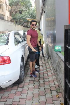 Pooja Bhatt,Diljit Dosanjh,Emraan Hashmi And Mahesh Bhatt Spotted At Vishesh Films Office