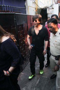 Shah Rukh Khan & Katrina Kaif Spotted At Bandra