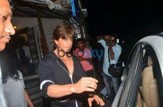 Shahrukh Khan Spotted At Shankar Mahadevan Studio