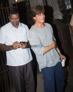Shahrukh Khan Spotted At Shankar Mahadevan Studio
