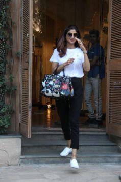 Shilpa Shetty At Anita Dongre Store