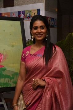 Sonalee Kulkarni At Breast Cancer Awareness Week
