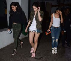 Suhana Khan Snapped At Juhu PVR