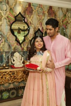Tulsi Kumar Celebrated Karvachauth With Husband Hitesh Ralhan In New Delhi