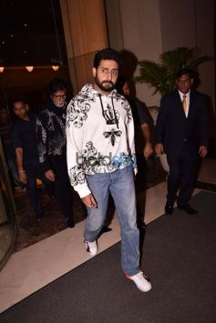 Bachchan Family Celebrating Aaradhyas Birthday At J W Marriott