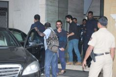 Aamir Khan Spotted At Bandra