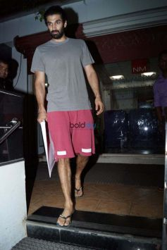Aditya Roy Kapur Spotted At Bandra