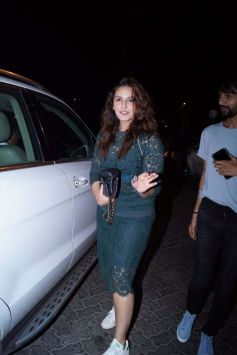 Athiya Shetty And Huma Qureshi Spotted At Bandra