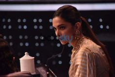Deepika Padukone On The Sets Of Super Dancer
